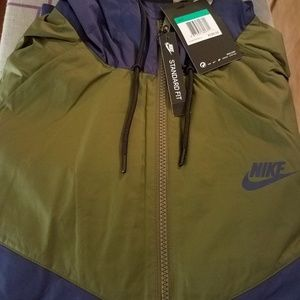 Men's Nike Windrunner Jacket (Olive & Green)